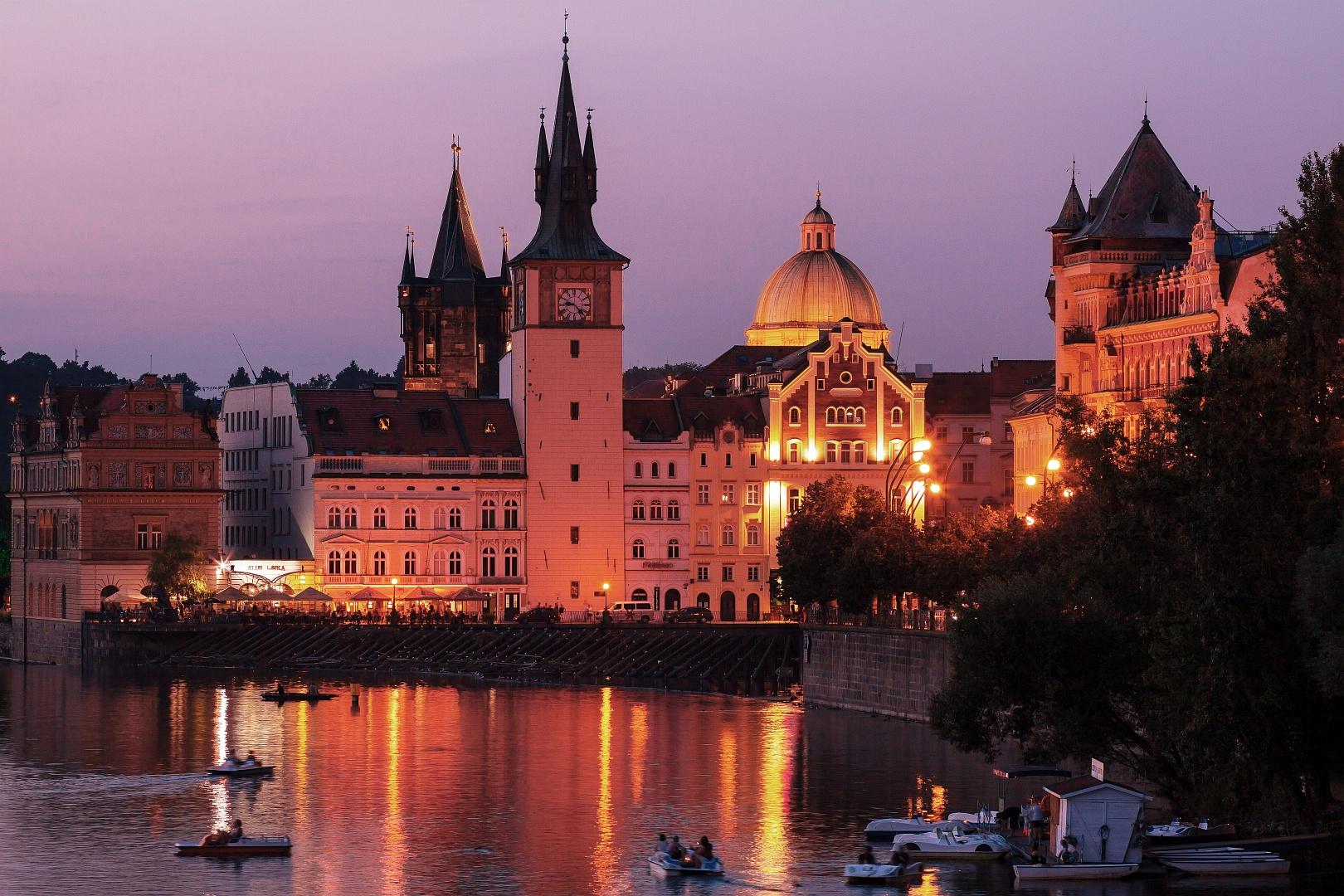 Magenta Prague Evening